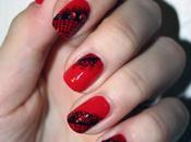 Dentelles rouge noir