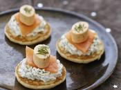 Blinis saumon fumé, chantilly herbes Apérivrais Saumon