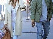 Kardashian Kanye West font shopping Angeles 26.12.2013