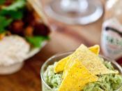 guacamole rich, very tasty rich! comment mettre plein trucs dans purée d'avocat...
