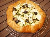 [Simple rapide] Tarte feuilletée courgettes, olives ricotta