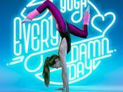 Yoga Core: positions sous fond néons