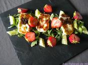 Salade halloumi, roquette, fraises caviar concombre