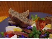 Salade d'oeufs, poivron orange, tomates, olives, anchois tartines rillettes sardines