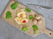 Salade cresson, pêche plate balls chèvre frais sésame torréfié pour rentrée tout légèreté