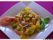 Salade mangue,crevettes, avocat basilic