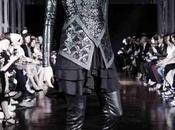 Ludovic Winterstan Couture Automne-Hiver 2015/2016 parfum réflexion pour dame noir.