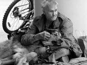 vieil homme chien