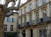 Quand vous traversez Rhône entre Avignon Arles