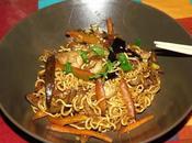 Nouilles Thaï poulet mariné légumes