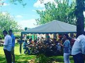 vous raconte Garden Party personnes réunies autour cuisine mauricienne