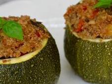 Courgettes farcies quinoa légumes