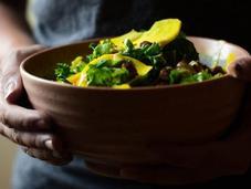 Salade chou kale, pois chiches rôtis betterave crue