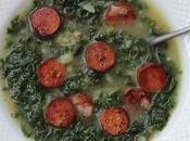 Caldo verde vegan, soupe portugaise kale chorizo