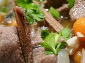 Sauté d'agneau réglisse cumin petites carottes