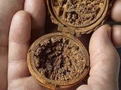 ARTEFACTS, minuscules boîtes bois sculptées