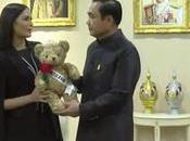Ministre Prayut offre rôle d'ambassadrice spéciale Miss Thailand Universe