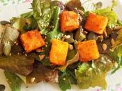 Cubes Polenta paprika piment méli-mélo salades graines (Vegan)