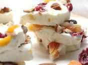 Frozen yogourt bark fruits secs