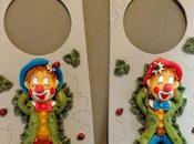 Plaque porte avec p'tit clown endormi porcelaine froide