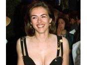 Elizabeth Hurley robe épingles distinguent