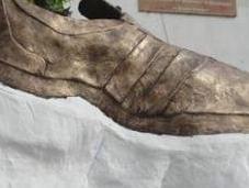 Tikrit chaussure emblème ville