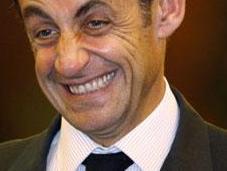 Sarkozy annonce milliards d'investissements dans transports pour Grand Paris