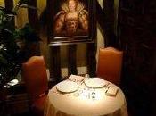 Relais Louis XIII très belle table dans décor médiéval