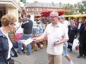 Gauche occupe pavé marché Louviers. Pervenche Bérès Val-de-Reuil mardi