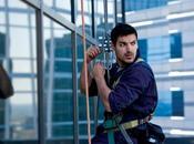 John Abraham suspendu étage d'un building cause d'OBAMA