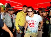 Saif Khan promouvoit Love Shoppers Stop