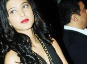 "Shruti Hassan dans look ""HOLLYWOOD GLAMOUR""."