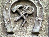 claveau sculpté maréchal-ferrant Saint-Paterne-Racan (37)