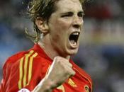 Angleterre, 20èj Liverpool surprend Aston Villa dans temps additionnels grace l'Espagnol Fernando Torres