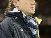 Wayne Bridge jouera avec l'Angleterre, déclaré Mancini.