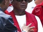 responsables l'opposition incitent chemises rouges plus payer leurs impôts rendre leur carte d'identité