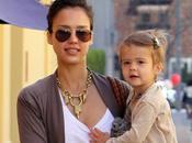 Jessica Alba fait courses avec fille Honor