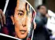 Parti Socialiste Soutien opposants birmans