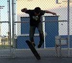 Kilian Martin fait skateboard