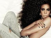 Kelly Rowland beaucoup cheveux