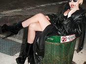 Lady Gaga dans poubelle Suite shooting pour magazine Rolling Stone Terry Richardson