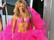 Shakira super sexy tutu rose