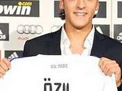 REAL MADRID :özil signe officiellement!