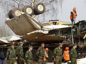 Imprimer l'article Partager Viadeo Crash Smolensk Moscou remet documents Varsovie