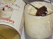 petits fondants chocolat noir accompagné d'une fondue blanc.