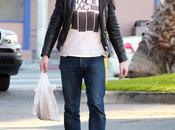 Ryan Gosling sortie d'un supermarché