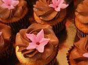 CUPCAKES FLEURSCupcakes crées spécialement pour soirée...