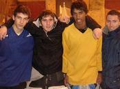 Trois jeunes niçois tricolores