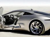 Jaguar C-X75 remporte l'édition 2010 Louis Vuitton Classic Concept Award.