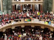 États-Unis suivent l'exemple l'Égypte Siège populaire capitole Wisconsin pour protester contre mesures d'austérité.